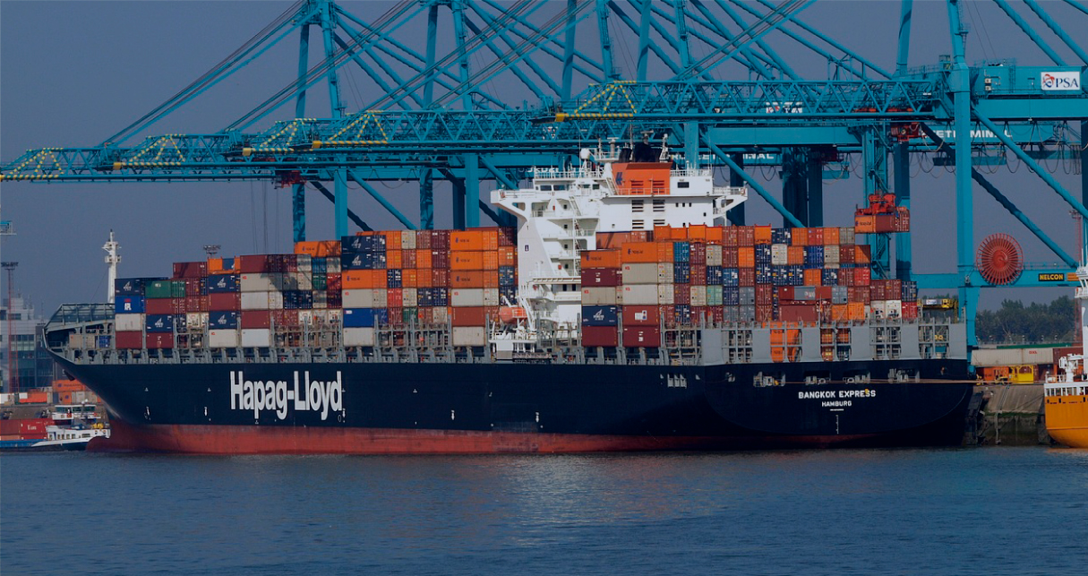 Hapag-Lloyd bets on online sales in shipping