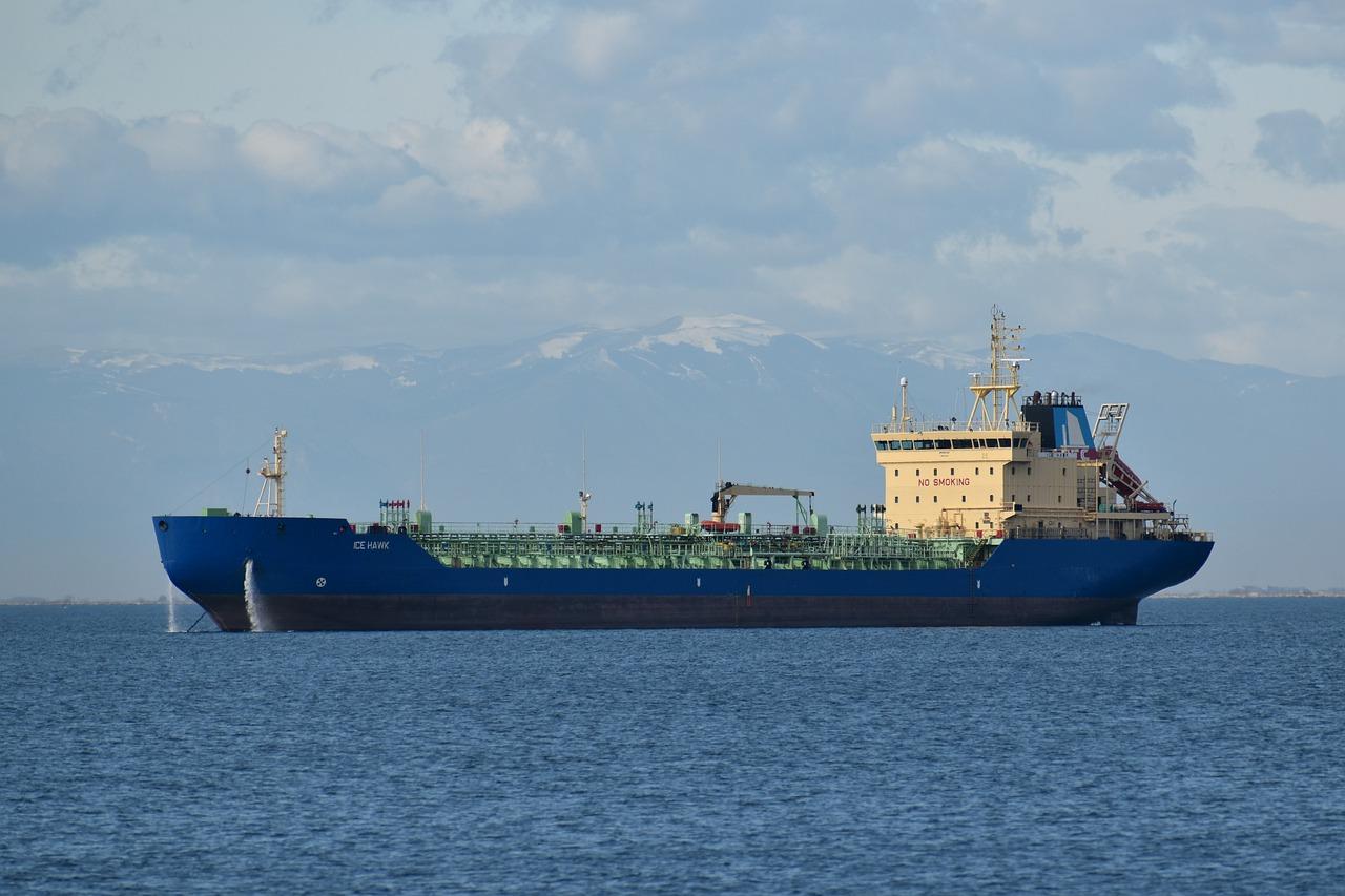COVID-19: Impacto del precio del petróleo en fletes marítimos
