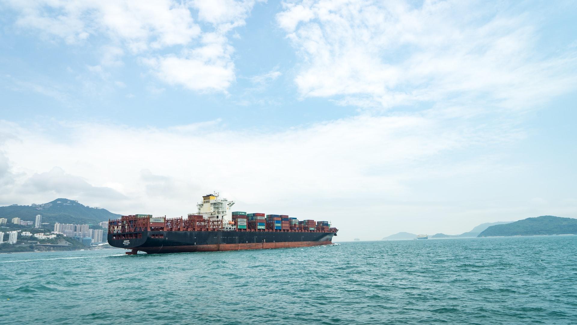 Tarifas digitales y navieras: la revolución en el mar